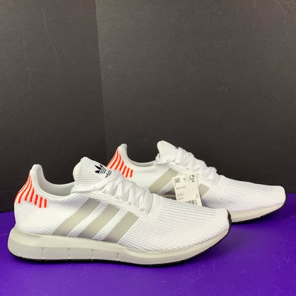 NEW Adidas SWIFT RUN B37731 Running Sneakers Shoes NWT